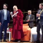 Dalai Lama riceve cittadinanza Milano