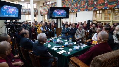 Yuan Tseh Lee-Dalai Lama-aref international onlus-ambiente-sviluppo sostenibile-fisica quantistica