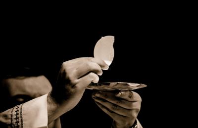quattro sacerdoti-cina-vaticano-aref international onlus-papa francesco-religione-indottrinamento